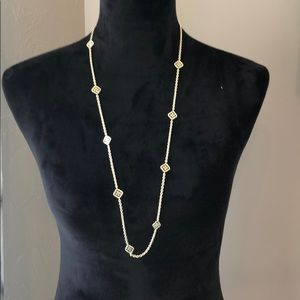 Kendra Scott Long Gold necklace